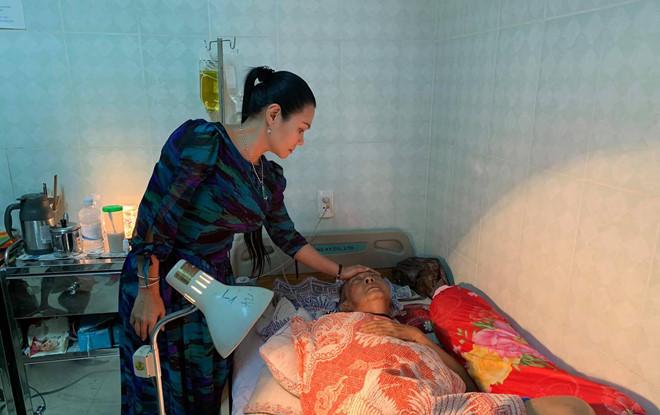 Con trai nghệ sĩ Lê Bình: Ba tôi sốt cao, mê man nhưng chưa hôn mê-1