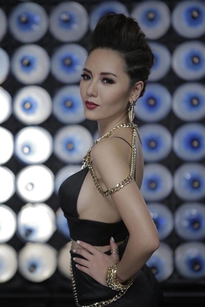 Phương Linh khoe loạt ảnh bikini mới, để lộ nhược điểm-8
