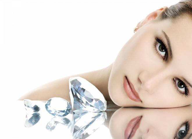 Dưỡng da bằng vàng và kim cương có hiệu quả hay không?-3