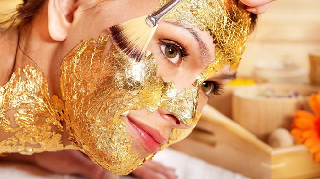 Dưỡng da bằng vàng và kim cương có hiệu quả hay không?-1