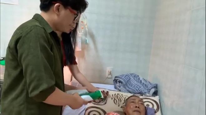 Nghệ sĩ Lê Bình 3 ngày không ăn, đau đớn bật khóc khi Đại Nghĩa, Trịnh Kim Chi đến thăm-5