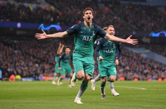 Màn rượt đuổi điên rồ giữa Man City và Tottenham đi vào lịch sử-2