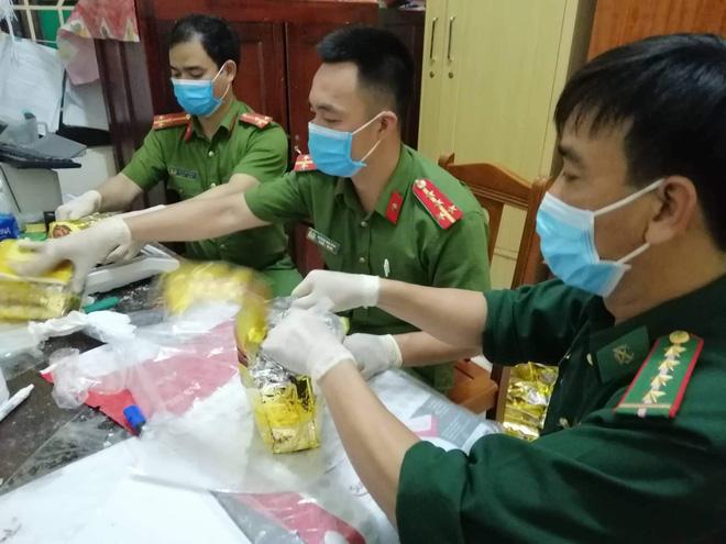 Vụ bắt giữ gần 1 tấn ma túy đá ở Nghệ An: Từ đống rác ven đường đến nhà kho toàn loa thùng-12