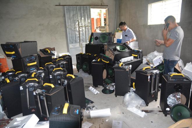 Vụ bắt giữ gần 1 tấn ma túy đá ở Nghệ An: Từ đống rác ven đường đến nhà kho toàn loa thùng-9