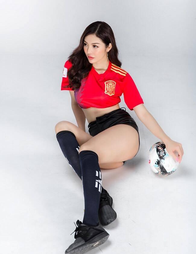 Nhan sắc nóng bỏng của Hoa hậu Việt lên truyền hình tìm người yêu-11