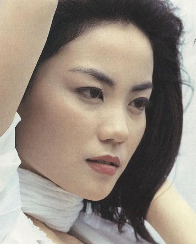 Vương Phi - người đàn bà đẹp khiến Tạ Đình Phong si mê suốt 20 năm-4