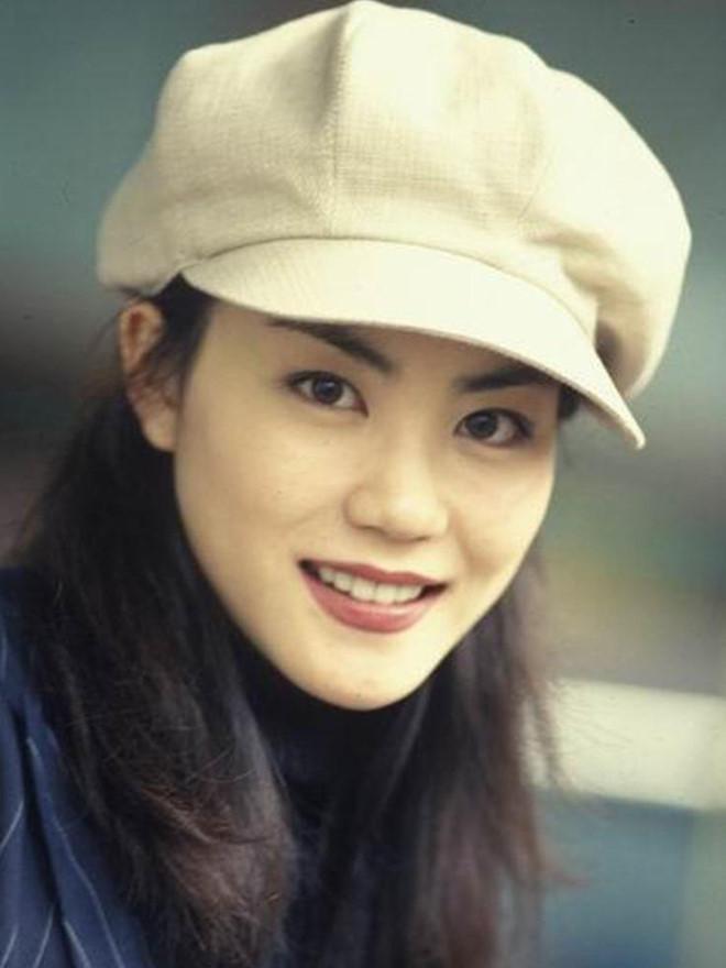 Vương Phi - người đàn bà đẹp khiến Tạ Đình Phong si mê suốt 20 năm-5