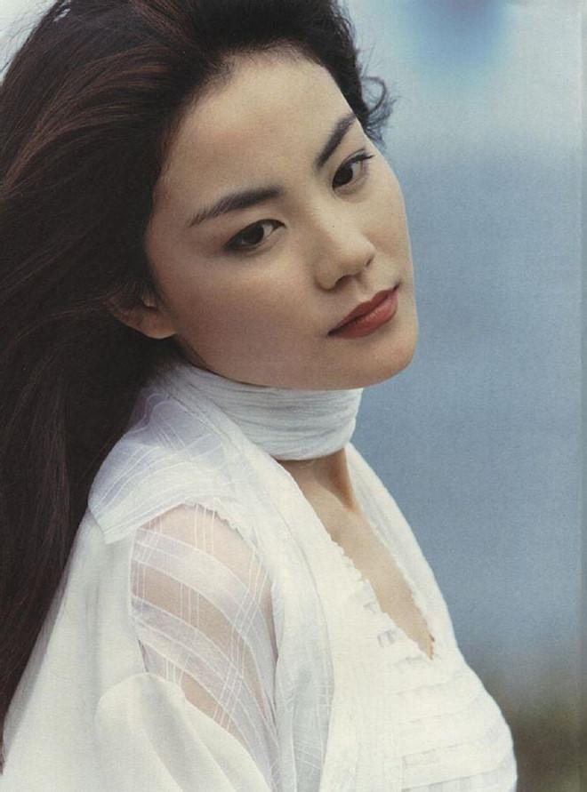 Vương Phi - người đàn bà đẹp khiến Tạ Đình Phong si mê suốt 20 năm-12