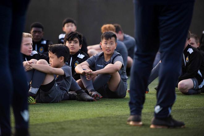 Khi Park Ji-sung cũng chào thua Son Heung-min-5