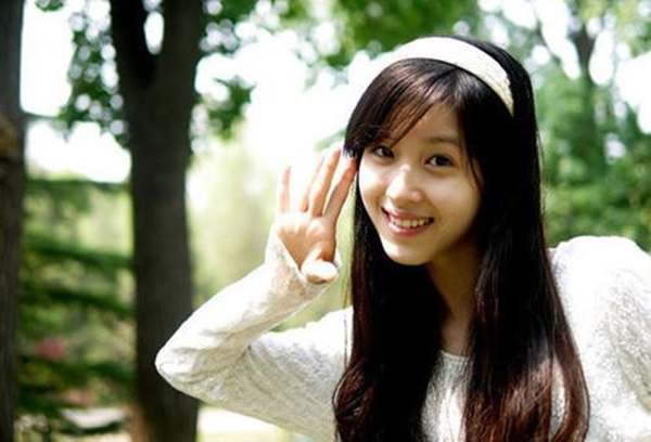 Hot girl trà sữa từ tỷ phú trẻ nhất Trung Quốc đến cô vợ đáng thương-2