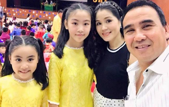 Con gái MC Quyền Linh lần đầu catwalk với áo dài, càng nhìn càng thấy thần thái của Hoa hậu tương lai-4