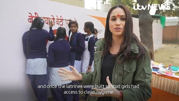 Xuất hiện bất ngờ trong đoạn video từ thiện tại Ấn Độ khi đang nghỉ thai sản, Meghan bị chỉ trích dữ dội vì lý do này-1