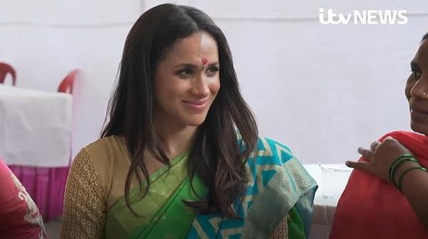 Xuất hiện bất ngờ trong đoạn video từ thiện tại Ấn Độ khi đang nghỉ thai sản, Meghan bị chỉ trích dữ dội vì lý do này-2