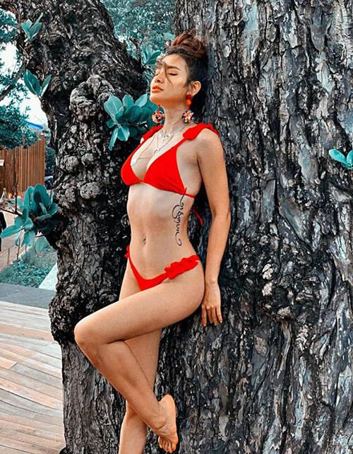 Không còn nghi ngờ gì nữa, đây chính là nữ hoàng bikini showbiz Việt!-4