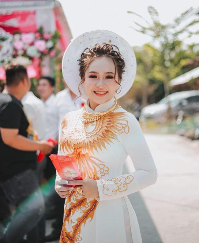 Dân mạng lại kinh ngạc với đám hỏi siêu khủng ở Kiên Giang: Cô dâu 19 tuổi, sính lễ hơn 888 triệu, 14 cây vàng-7