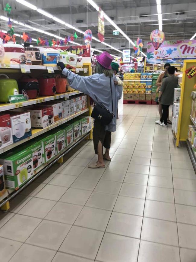 Hot girl Bella bị bắt gặp tha lôi con đến Nam Định, nhưng phản ứng của dân mạng với người quay clip hết sức bất ngờ-1