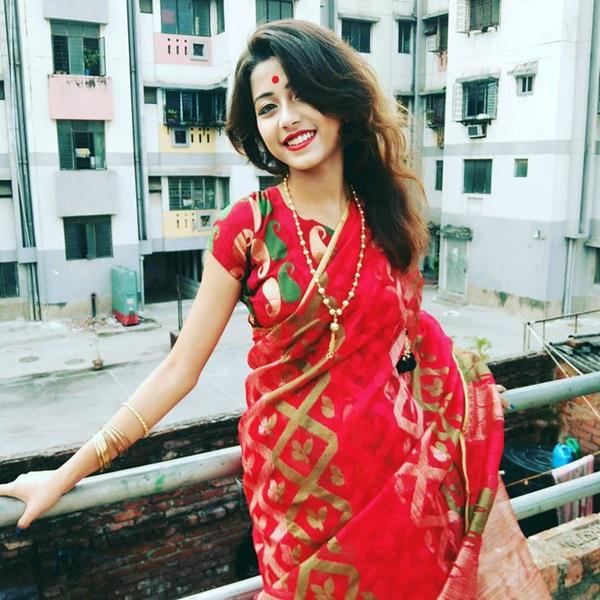 Xuất hiện trong lễ hội, thiếu nữ khiến cộng đồng mạng chao đảo vì nhan sắc đẹp tựa thần tiên-15