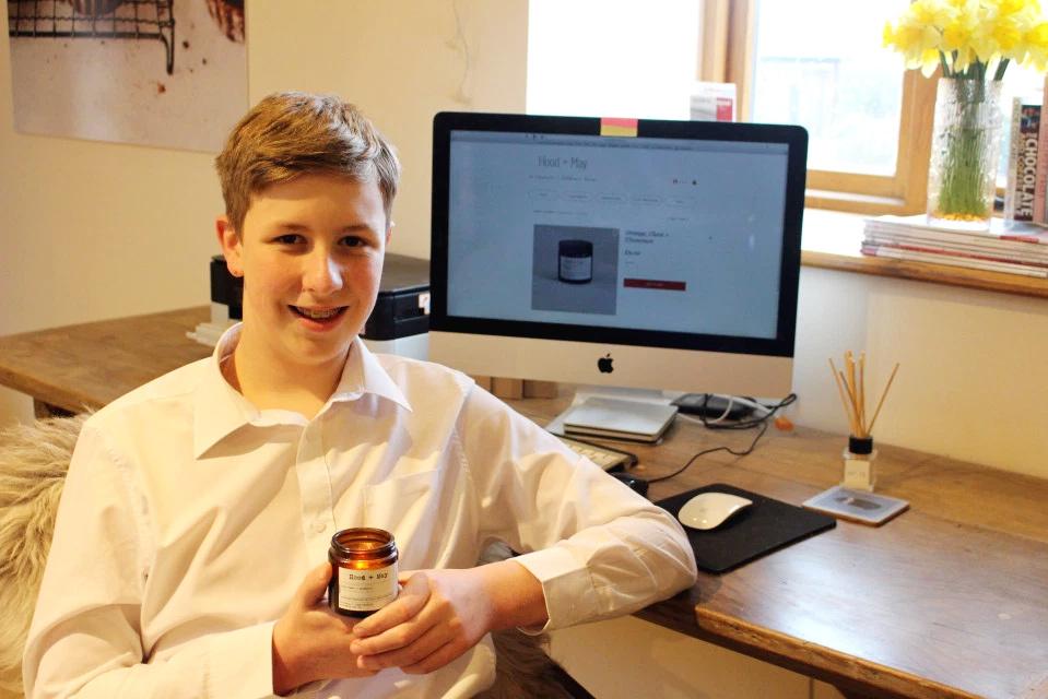 Học sinh 14 tuổi, chỉ làm nến bán kiếm hàng trăm triệu đồng-1
