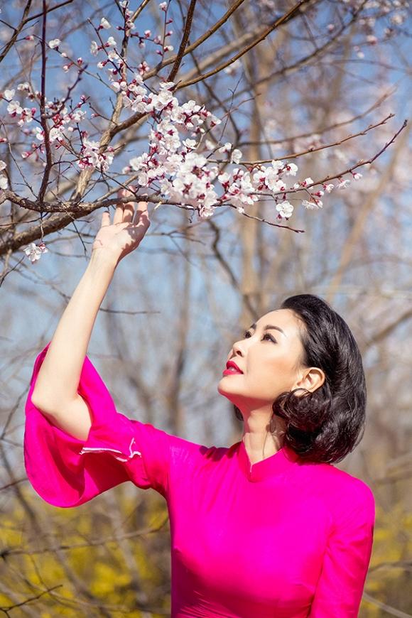 Hoa hậu Hà Kiều Anh trẻ trung, khoe dáng thon gọn ở Hàn Quốc-2