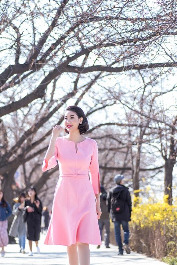 Hoa hậu Hà Kiều Anh trẻ trung, khoe dáng thon gọn ở Hàn Quốc-3