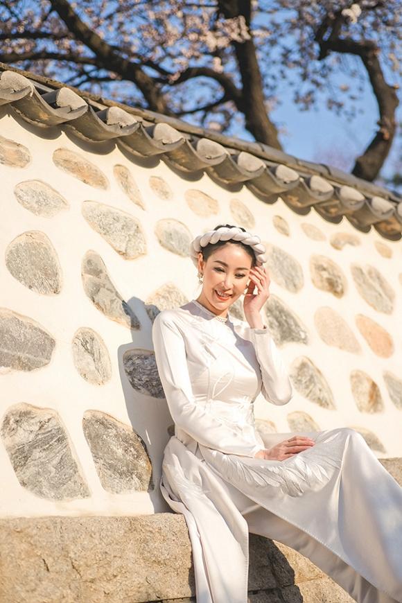 Hoa hậu Hà Kiều Anh trẻ trung, khoe dáng thon gọn ở Hàn Quốc-4