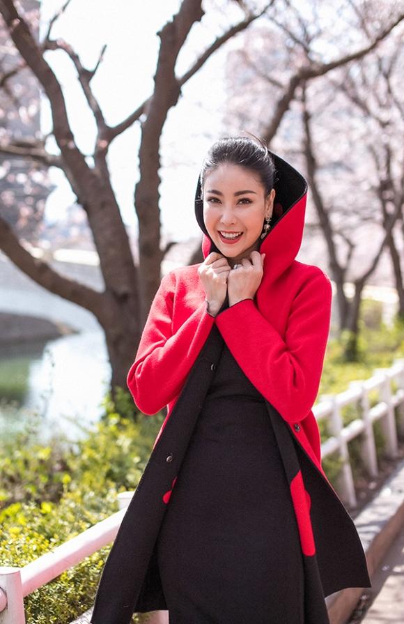 Hoa hậu Hà Kiều Anh trẻ trung, khoe dáng thon gọn ở Hàn Quốc-11