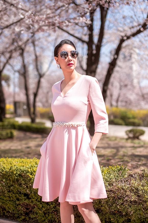 Hoa hậu Hà Kiều Anh trẻ trung, khoe dáng thon gọn ở Hàn Quốc-15