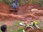 Con gái bị giết hại chôn dưới giếng về báo mộng cho mẹ đến đúng nơi để tìm?-4