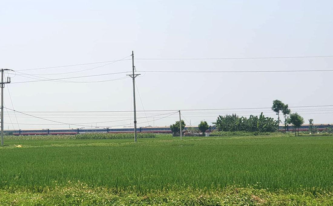 Tàu hỏa húc xe tải nát tươm, tài xế Nghệ An chết kẹt trong cabin-6
