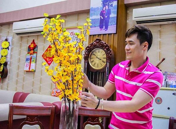 Cuộc sống trong căn nhà hơn 200 tỷ của nam ca sĩ khiến Quỳnh Nga âm thầm yêu suốt 2 năm-8