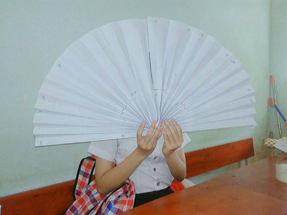 Khi các thánh lắm mồ hôi đi học lúc trời 40 độ, áo trắng hoá xuyên thấu, vắt ra được cả xô nước-6