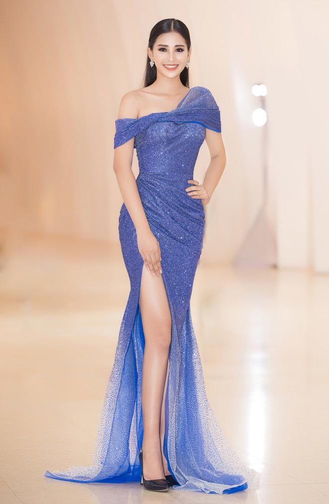 19 tuổi, Hoa hậu Tiểu Vy ngày càng chuộng phong cách gợi cảm-12