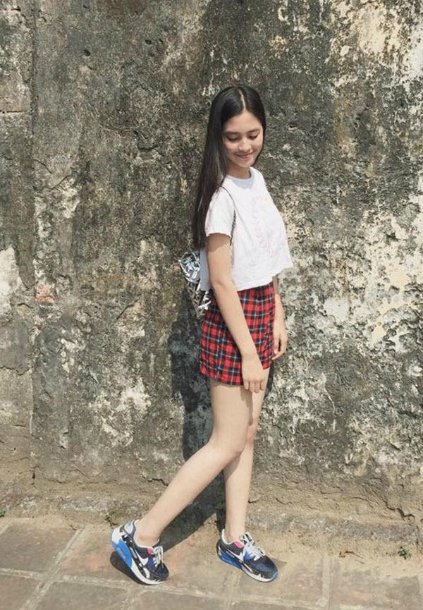 19 tuổi, Hoa hậu Tiểu Vy ngày càng chuộng phong cách gợi cảm-2