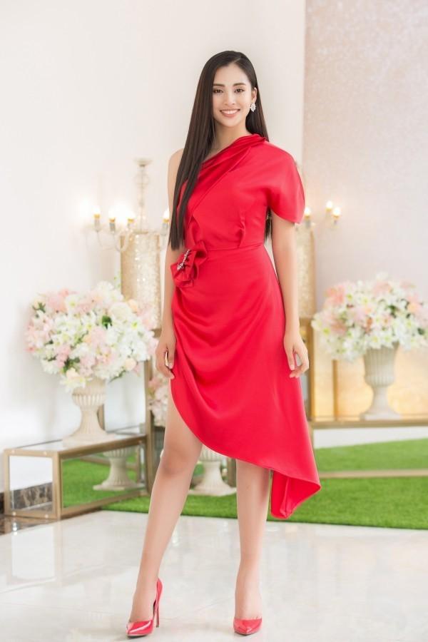 19 tuổi, Hoa hậu Tiểu Vy ngày càng chuộng phong cách gợi cảm-7