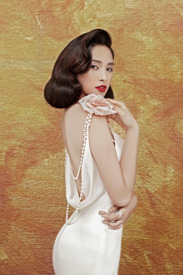 19 tuổi, Hoa hậu Tiểu Vy ngày càng chuộng phong cách gợi cảm-17