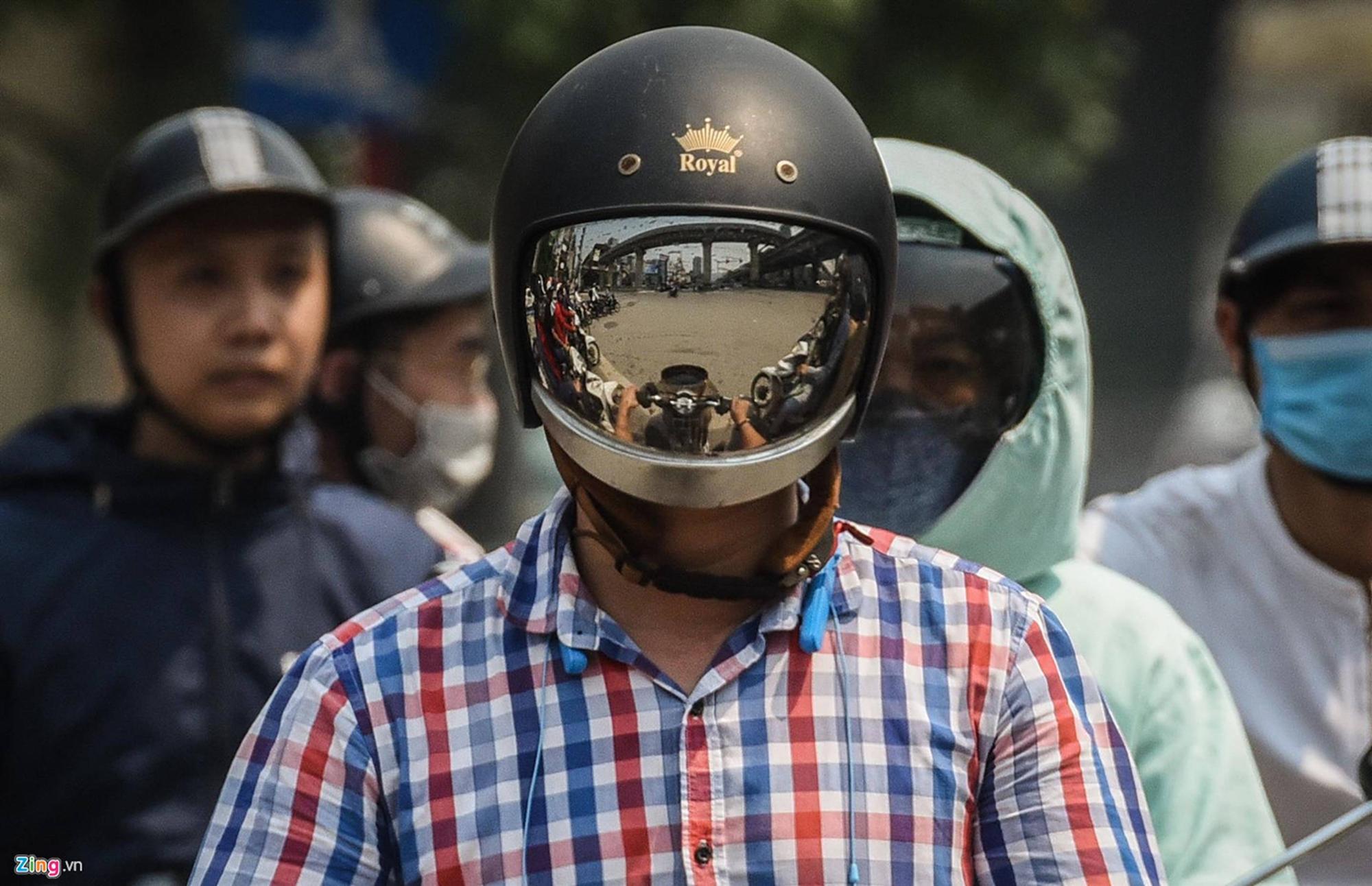 Mặt đường ở Hà Nội nóng hơn 50 độ C-5