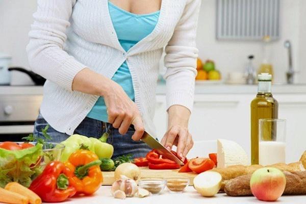 Cách chế biến thực phẩm tránh bị ngộ độc trong mùa hè-1