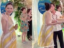 Á hậu Thanh Tú lộ bụng bầu khệ nệ trong tiệc sinh nhật xa hoa tại biệt thự riêng