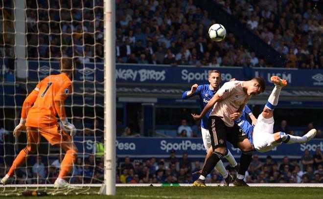 MU bị Everton sỉ nhục bằng chiến thắng 4-0-1
