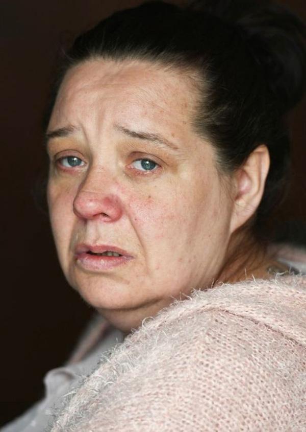 Bố mẹ vô tình ngủ thiếp đi, đến khi tỉnh dậy thì chết lặng vì thấy con mình đã ra đi từ lúc nào trong vòng tay của bố-3