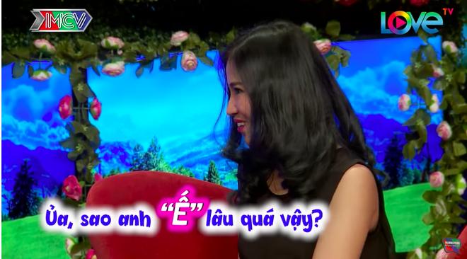 Bạn muốn hẹn hò: Vừa gặp chàng trai, cô gái đã có câu hỏi khiến MC Quyền Linh kêu trời-2