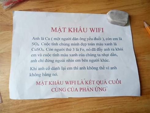 Mật khẩu wifi gây lú cực mạnh: giải cả đống phương trình hoá học, cuối cùng đành ngậm ngùi bật 3G lên dùng-1