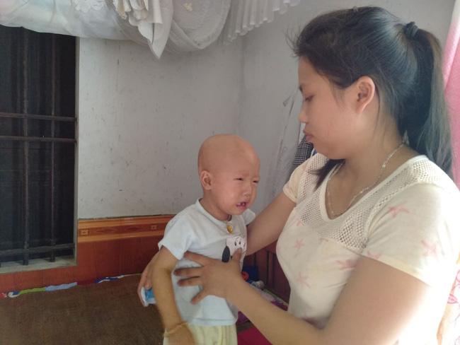 """Điều ước trong nước mắt của bé trai mắc bệnh hiểm nghèo, gần 3 tuổi vẫn chưa biết đi: Cháu muốn về với mẹ, với em""""-7"""
