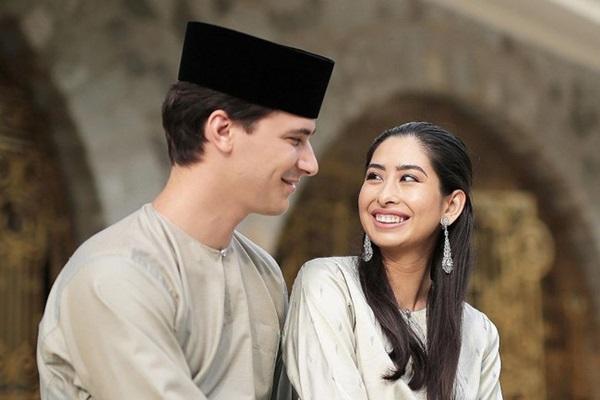 Bất ngờ với gu yêu của Hoàng gia Malaysia: Công chúa lấy con nhà bán hoa, nhận sính lễ chỉ hơn 1 triệu đồng nhưng cái kết mới là điều đáng nói-10
