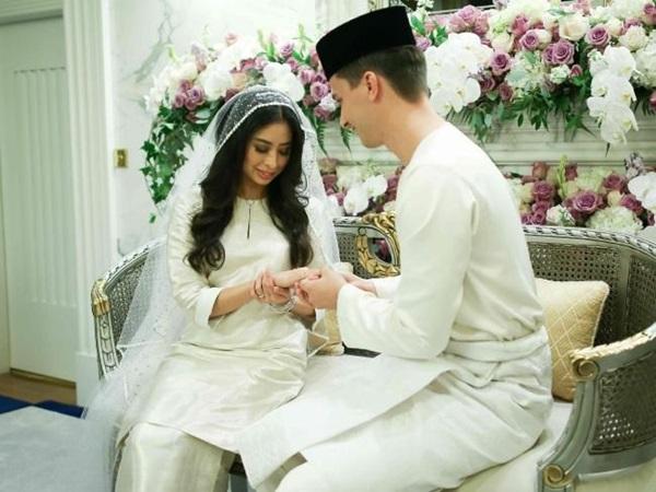 Bất ngờ với gu yêu của Hoàng gia Malaysia: Công chúa lấy con nhà bán hoa, nhận sính lễ chỉ hơn 1 triệu đồng nhưng cái kết mới là điều đáng nói-4