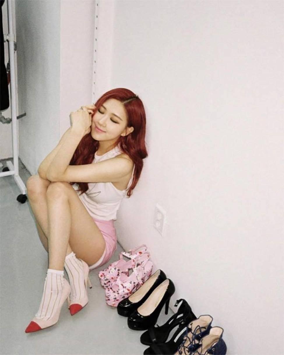 Cận cảnh vòng eo 48cm bé nhất làng nhạc Hàn-17