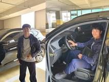 Công Phượng sắm ôtô đầu đời, gắn biển 'mới tập lái'