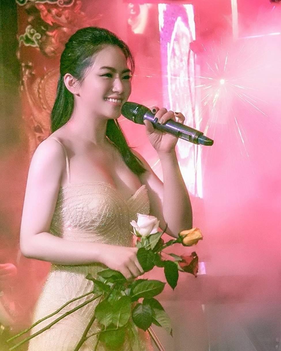 Sau 4 năm chia tay Khánh Đơn, Lương Bích Hữu lột xác ngày càng sexy-3