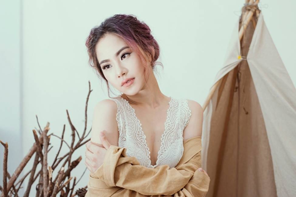 Sau 4 năm chia tay Khánh Đơn, Lương Bích Hữu lột xác ngày càng sexy-20