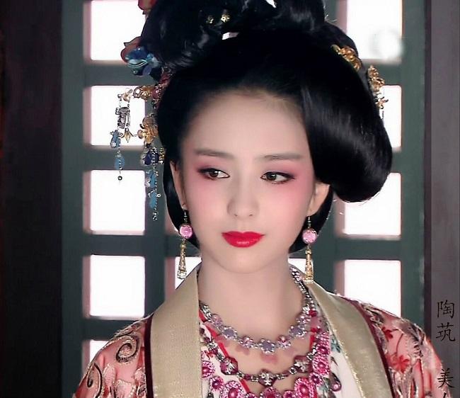 Ngây người vì dung mạo của tiên nữ tộc người đẹp nhất Trung Á-5